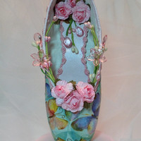 Decorated pointe shoe centerpiece with pastel butterflies and pink roses. Dewdrop/Giselle/Coppelia/Summer Fairy.  Sweet 16 birthday keepsake