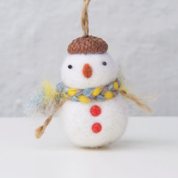 Snowman ornament, Christmas ornament, needle felted snowman, handmade ornament, needle felting, needle felt christmas snowman