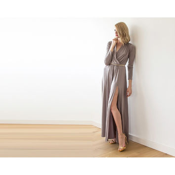 Maxi Taupe dress with slit