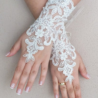 Free ship, Ivory  lace Wedding gloves, pearl  beads embroidered  bridal gloves, fingerless lace gloves,handmade