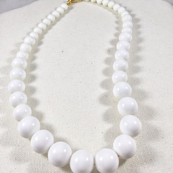 White necklace, vintage Napier necklace white plastic beads, 1960s vintage costume jewelry, nautical style necklace, classic white beads