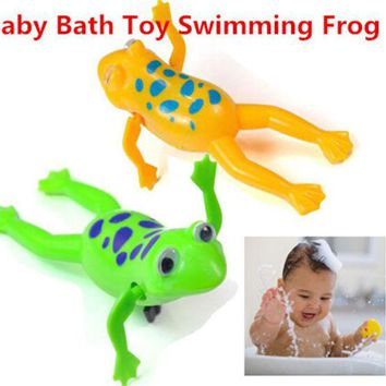 DCCKL72 Baby Kids Bath Toy Clockwork Wind Up Plastic Swimming Frog Battery Operated Pool Bath for Kids Baby Free Shipping