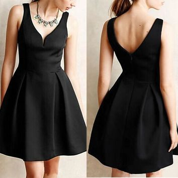 Black Plain Pleated V-neck Vintage Hepburn Cute Homecoming Party Skater Mini Dress