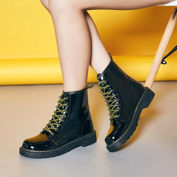 Round Toe Lace Up Flat Short Boots Martin Boots