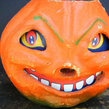 Large Vintage 1950's Halloween Smiling Jack-O-Lantern, made with Pulp Paper Mache