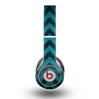 The Teal Grunge Chevron Pattern Skin for the Beats by Dre Original Solo-Solo HD Headphones