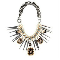 Rivet Fasshion Necklace