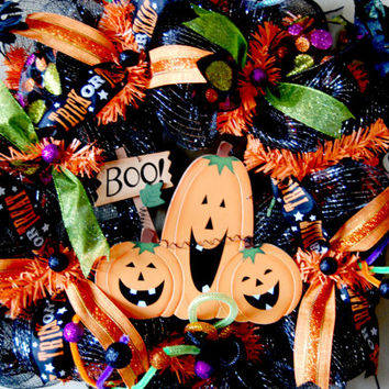 Halloween Deco Mesh Wreath with Pumpkin by KraftyKreations4You