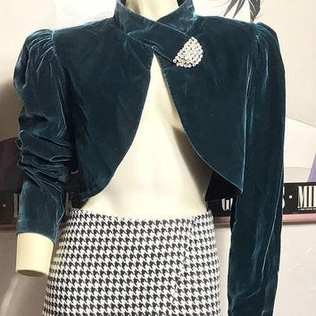 Vintage THEA DORA Emerald Green Velour Jacket / Cropped Velvet Bolero Evening Jacket / Rhinestone Studded Collar / Prom Formal Dress Jacket