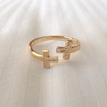 Double Cross Ring - Gold and Rose Gold; Adjustable in size, minimalist fashion ring, midi rings, mini rings, knuckle ring