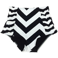 Black/White Zig Zag High Waisted Waist Highwaisted High-waist Retro Vintage Woman Women Shorts Botom Bottoms Bathing suit Swimsuit S M L