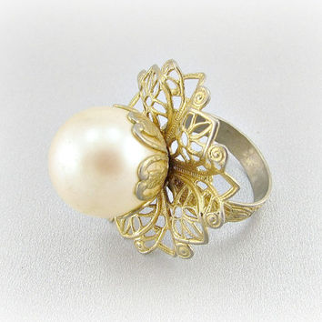 Vintage Cocktail Ring, Extra Large Big Pearl Ring, Ivory Pearl Flower Ring, Gold Filigree Adjustable Ring, 1960s Mad Men Costume Jewelry