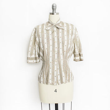 Vintage 1950s Blouse - Printed Stripe Rayon Beige Fitted Button Up Short Sleeve Top - Medium