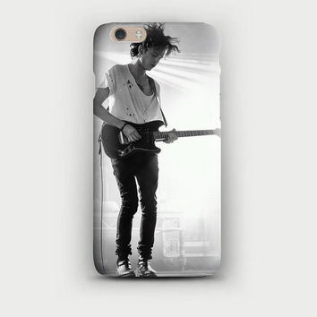 MATTY HEALY The 1975 Guitar Pale Grunge Tumblr Teen iPhone 5, 5s, 6, 6+, Samsung s5 Case