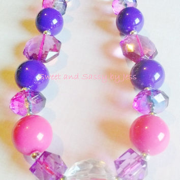 Purple and Pink Chunky necklace, bubble gum necklace, toddler boutique necklace, baby chunky necklace, ribbon chunky necklace