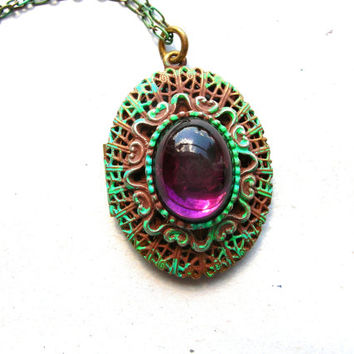 Vintage Filigree Locket - Brass Locket