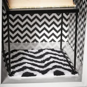 Black Chevron Locker Rug