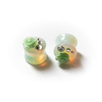 Milky diamonds and roses Ear plug
