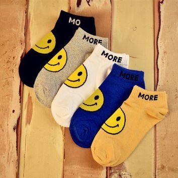 ESBONPR 5 Pairs  Cute Smile Face Womens kNitted Warm Socks