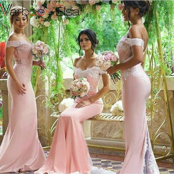 2016 Sexy Summer Pink Mermaid Bridesmaid Dresses Off the Shoulder Lace Appliques Sweep Train Elegant Robe Demoiselle D'honneur