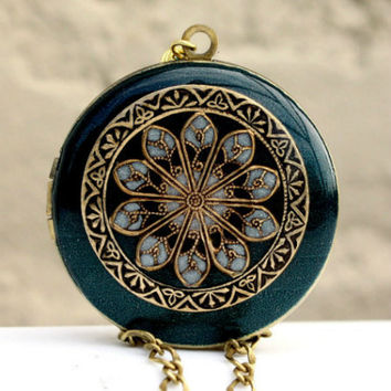 Locket Vintage Inspired Blue Green Pearl by MStevensonDesigns