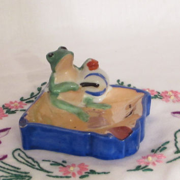 Vintage Lustreware Ashtray, Frog Beating Drum Ashtray, Gag Gift, Green Frog Ashtray, laslovelies