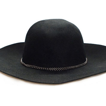 Eden Chain Hat