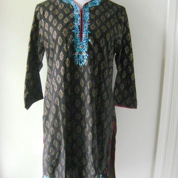 ethnic INDIA embroidered dress vintage 80s 90s black gold hippie boho cotton dresses size XL extra large floral medallion print indian tunic