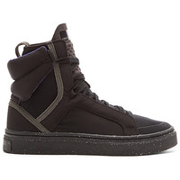 Essentials Mid Cut Hi-Top Shoe in Black & Black Gum