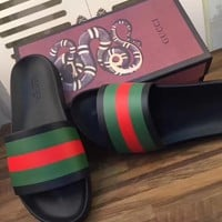 GUCCI flip flops Women/Men fashion