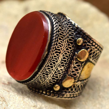Big Tribal Kuchi Ring,Carnelian Stone Ring,Afghan Ring,Carnelian Jewelry,Carved Bedouin Ring,Ethnic Gypsy Ring,Antique Ring,Boho Hippie Ring