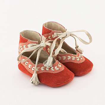 Coral pink suede baby shoes with beige leather stitch by Vibys