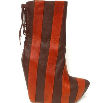 Jeffrey Campbell – Zapped Ankle Bootie In Orange Leather | Thirteen Vintage