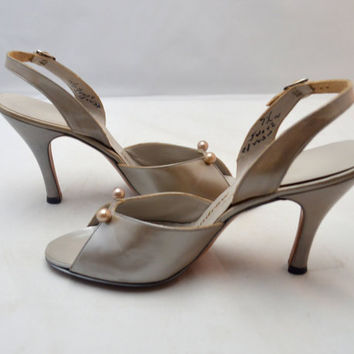 Vintage Andrew Geller Slingback Heels, New Old Stock, Never Worn, Size 7.5 N, Silvery Pearl Color, 1960s