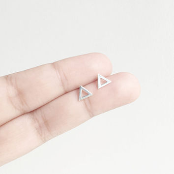 Sterling Silver Open Triangle Stud Earrings, Geometric Earrings, Minimalist earrings, Triangle earrings, modern earrings, Cartilage Earrings