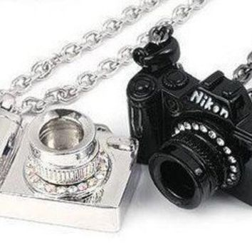 Unique Clear Rhinestone Studded Camera Pendant Necklace at Online Cheap Fashion Jewelry Store Gofavor