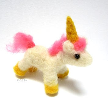 Tiny unicorn, needle felted,  golden hooves, miniature unicorn, white horse, little curio, cute gift, fantasy creature, MADE TO ORDER