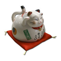 White Lucky Cat Tea Cup