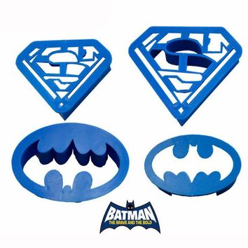 Cake Cutter 1 Set Spring Press Batman Superman Cookie Supplies Family Baking Biscuit Plastic Cake Mold Fondant ToolsA932
