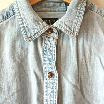 Gap Light Wash Denim Shirt Womens Large