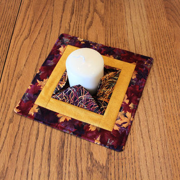 Fall Quilted Candle Mat - Medium - Leaves & Gold Mini Quilt - Centerpiece, Vase or Plant Mat - Flameless Candle Mat - Hostess Gift