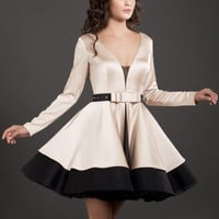 High Quality Black and Champagne V-Neck Short Homecoming Dresses with Long Sleeves