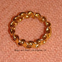 Gold Optical Illusion Ring - The Magic Ring That Shrinks and Grows