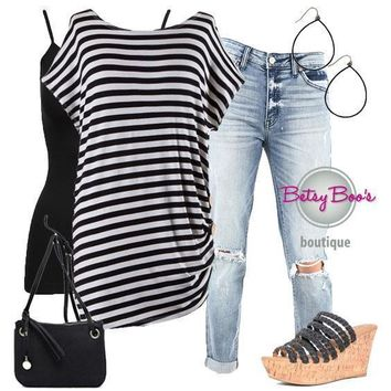 (pre-order) Set 467: Black Striped Gathered Button Top (incl. top, tank & earrings)
