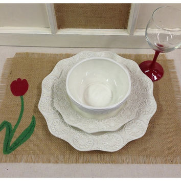 Burlap Placemats with Tulips