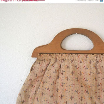 Wood Handle Fabric Purse Vintage 1970s Fabric Tote Bag Embroidered Beige Tan