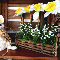 Spring Floral Arrangement Daffodil / Spring Silk Floral Rustic / Daffodil Floral In Twig Container / Garden Floral In Clay Pots