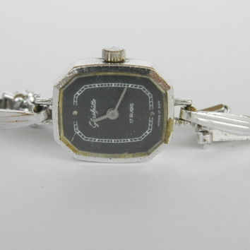 Womens watch Vintage German Ladies Bracelet Watch Glashütte 17 Rubis, Dress watch Soviet watch Mechanical Watch