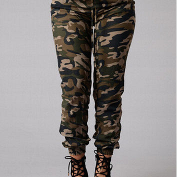 Ripped Holes Camouflage Jeans [6048136641]