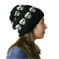 Skull Knit Hat in Black and Cream  - Slouchy Beanie - Beret - Fall Winter Fashion - Women Teens Accessories